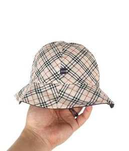 BURBERRY reversible hat for child